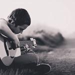 初心者スタートの1本に!人気おすすめ格安アコースティックギター